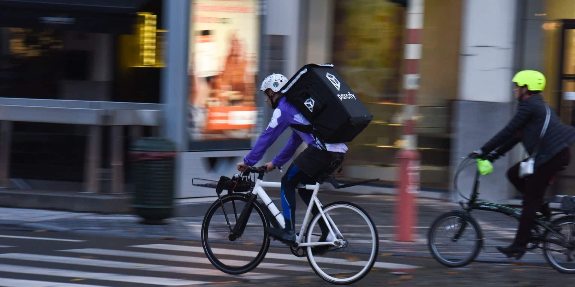 La majorité des livreurs de repas à vélo à Bruxelles sont sans-papiers