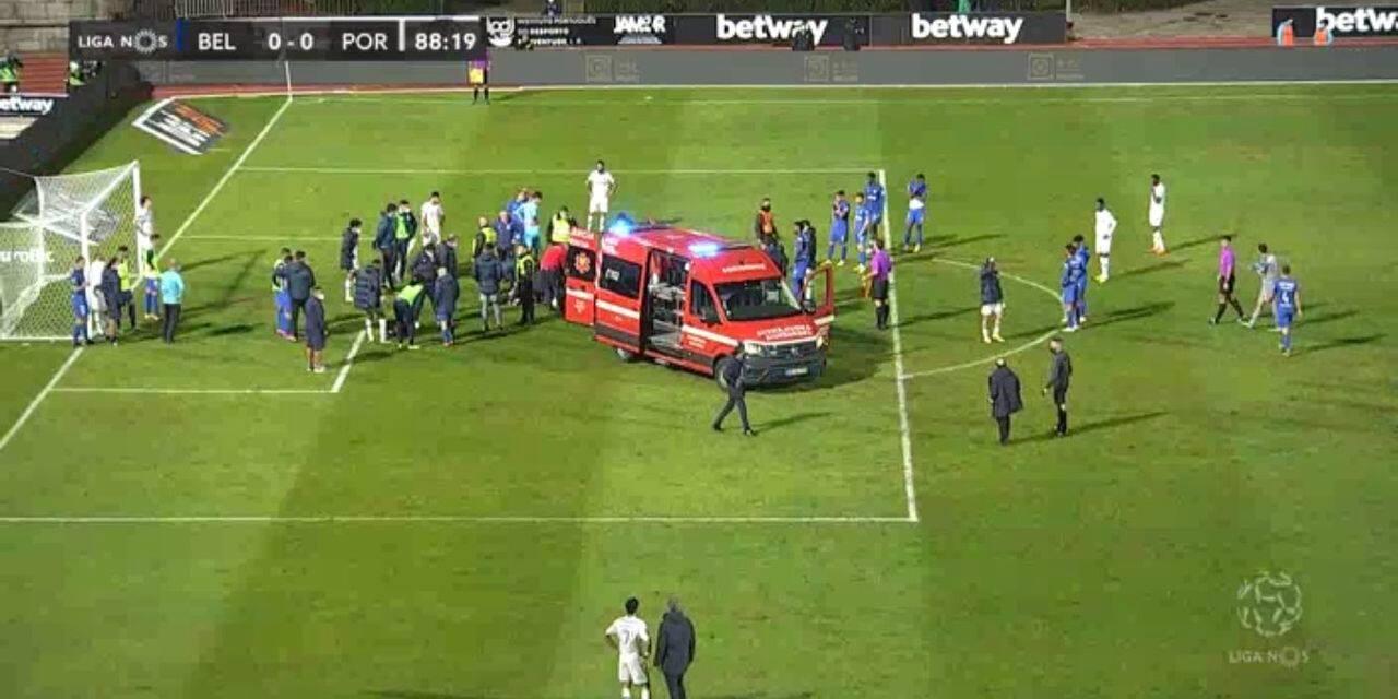 Un défenseur de Porto évacué en ambulance après un violent choc avec le gardien