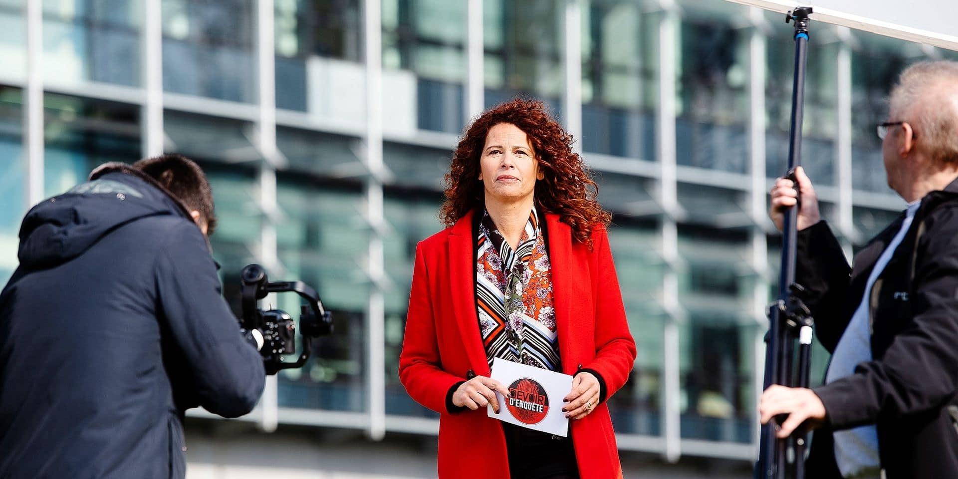 Charleroi :Tribunal de Commerce du Hainaut dans l'ancien Palais du verre: Reportage sur le tournage de Devoir d'enquete de la RTBF avec Malika Attar