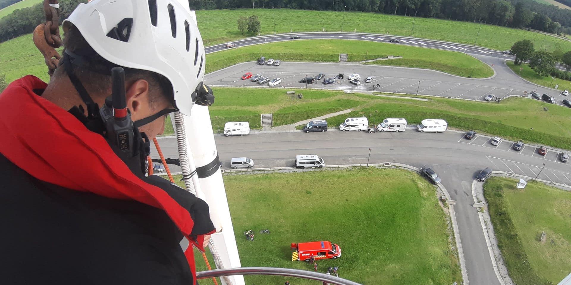 Les pompiers sauvent une personne coincée au sommet de la grande roue aux Lacs de l'Eau d'Heure