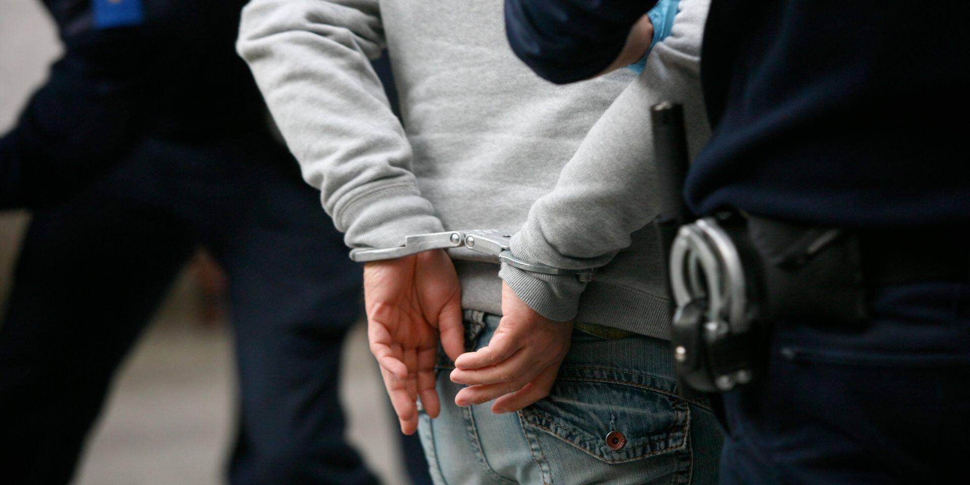 Liège : à peine libéré, le violent agresse un ami !