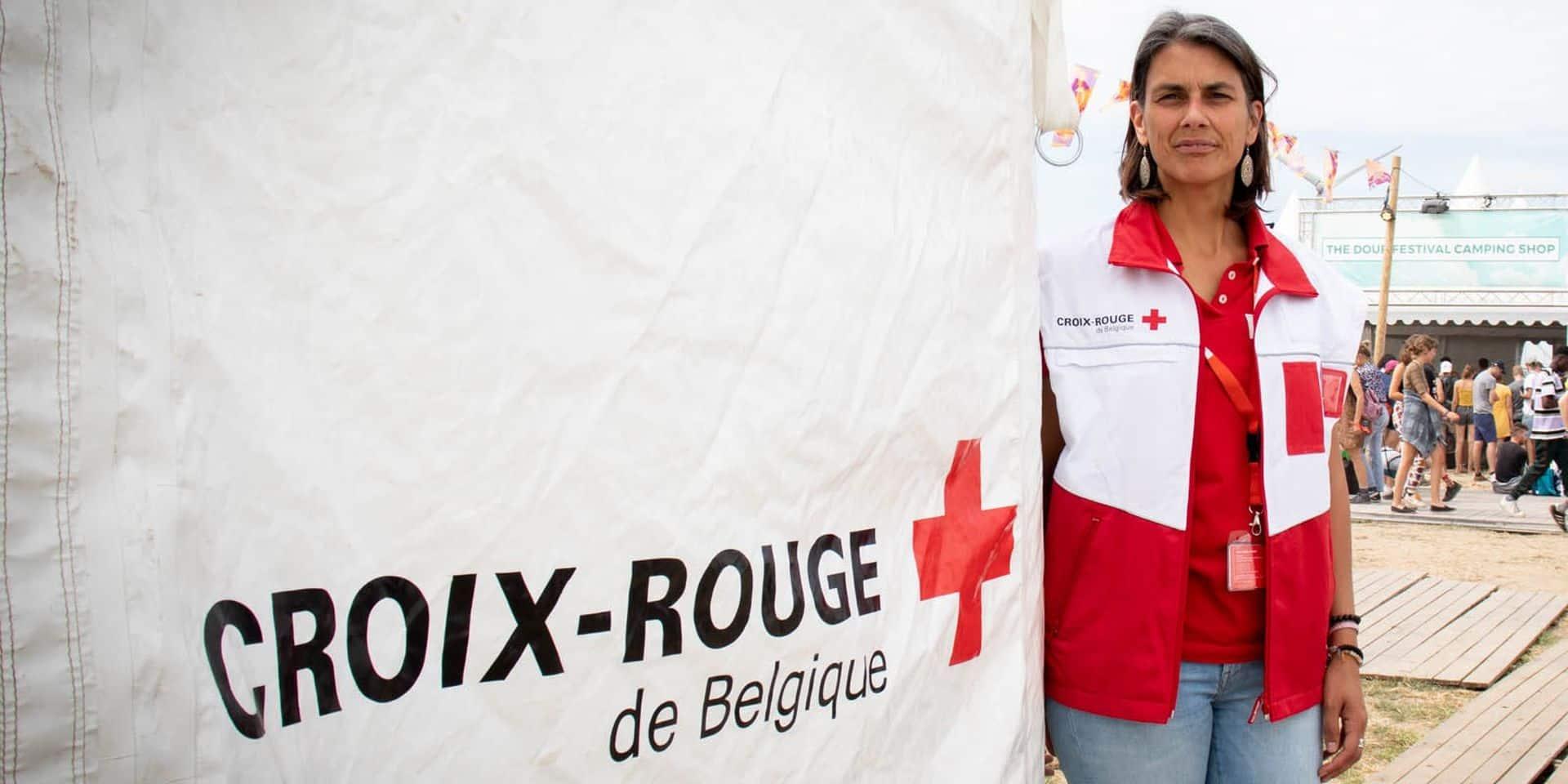 La Croix-Rouge en renfort devant les urgences à Liège pour faire un pré-tri !