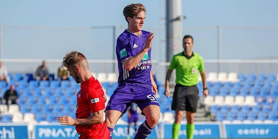 L'Anderlechtois Sieben Dewaele en route pour Courtrai