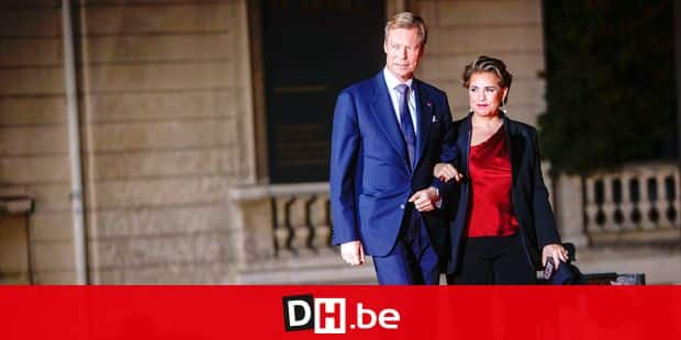 Grand Duke Henri of Luxembourg and Grand Duchess Maria-Teresa of Luxembourg pose as they arrive at the Musee d'Orsay in Paris on November 10, 2018 to attend a state diner and a visit of the Picasso exhibition as part of ceremonies marking the 100th anniversary of the 11 November 1918 armistice, ending World War I. Reporters / Crystal Pictures