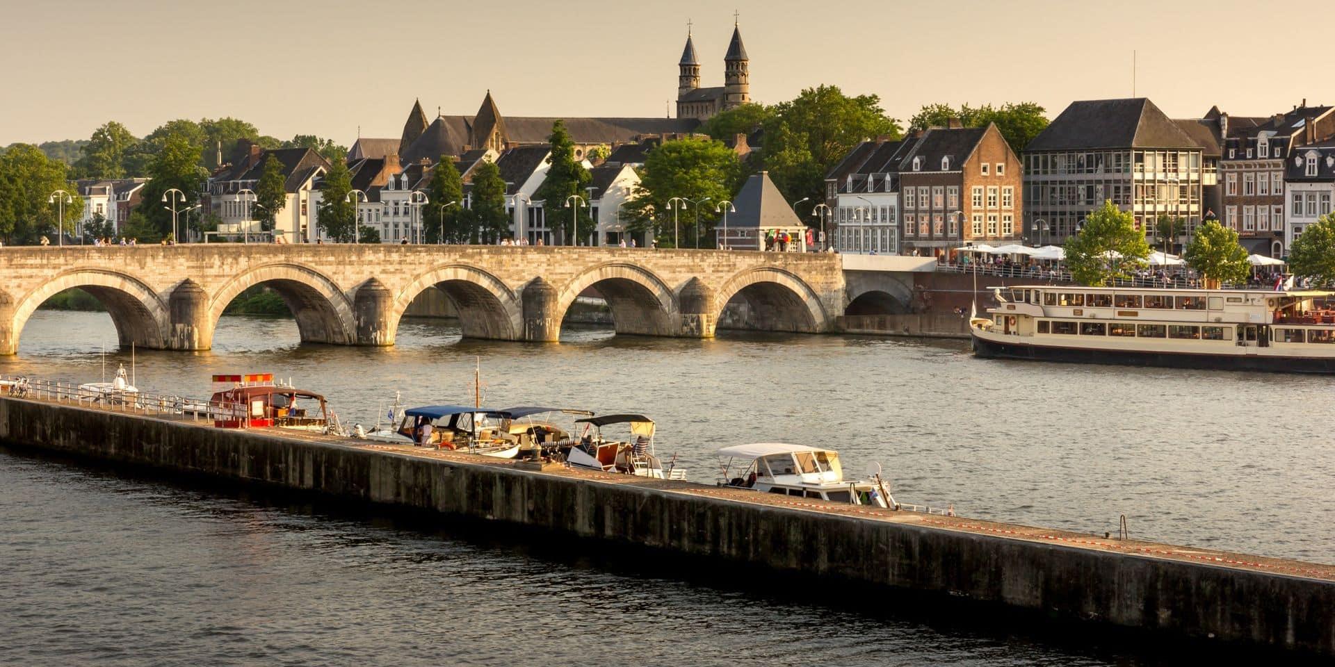 Pays-Bas: Maastricht appelle 10.000 personnes à quitter leurs foyers