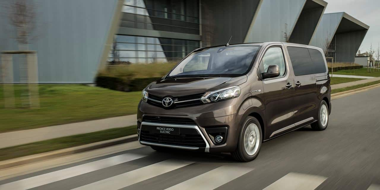 Toyota électrifie son grand monospace