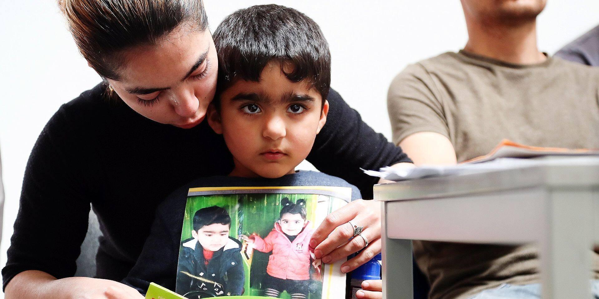 Les parents de Mawda, la petite Kurde morte lors d'une course-poursuite, brisent le silence