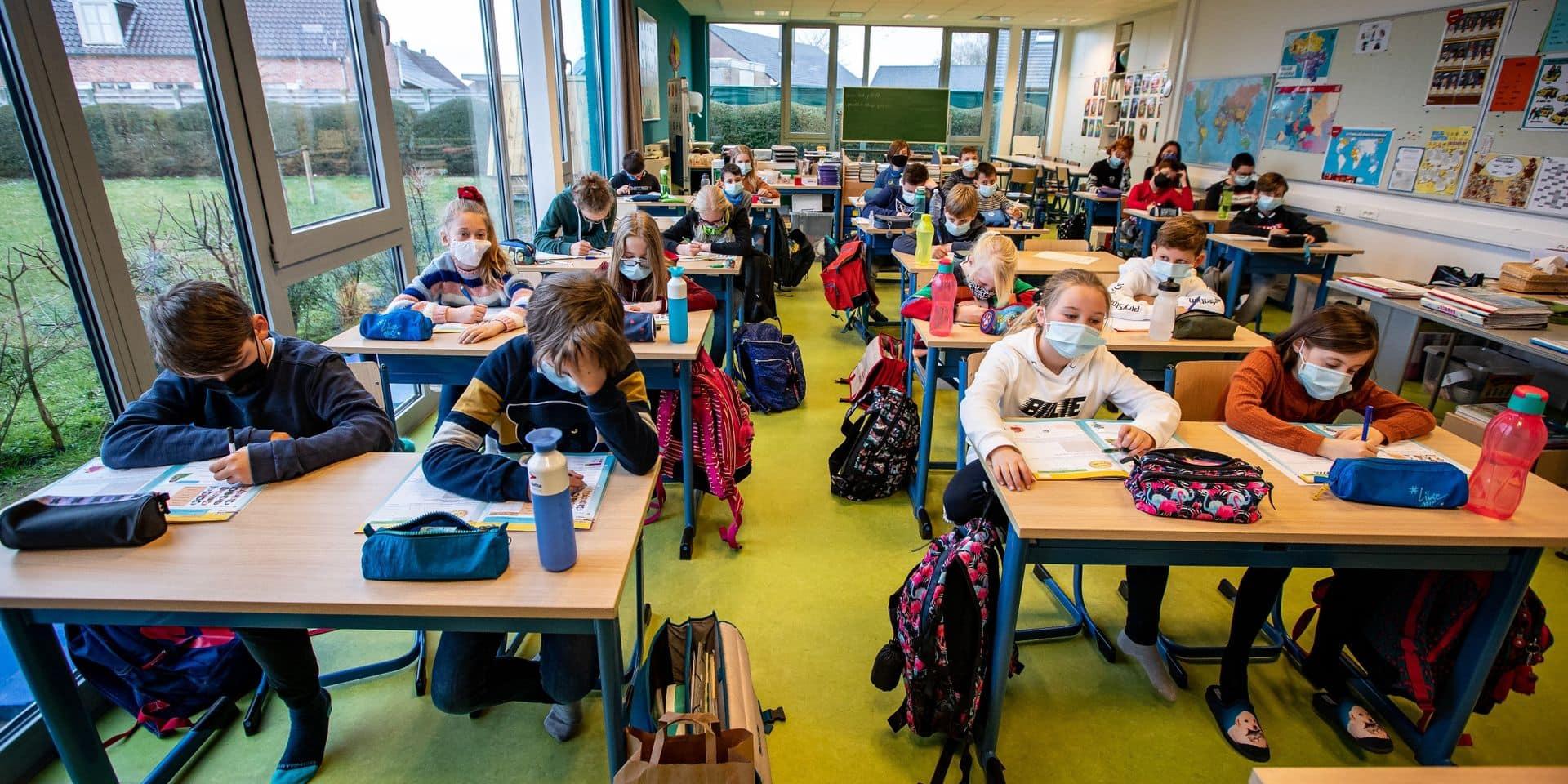 """""""A touché le fond mais creuse encore"""" : le bulletin catastrophique de notre système éducatif"""