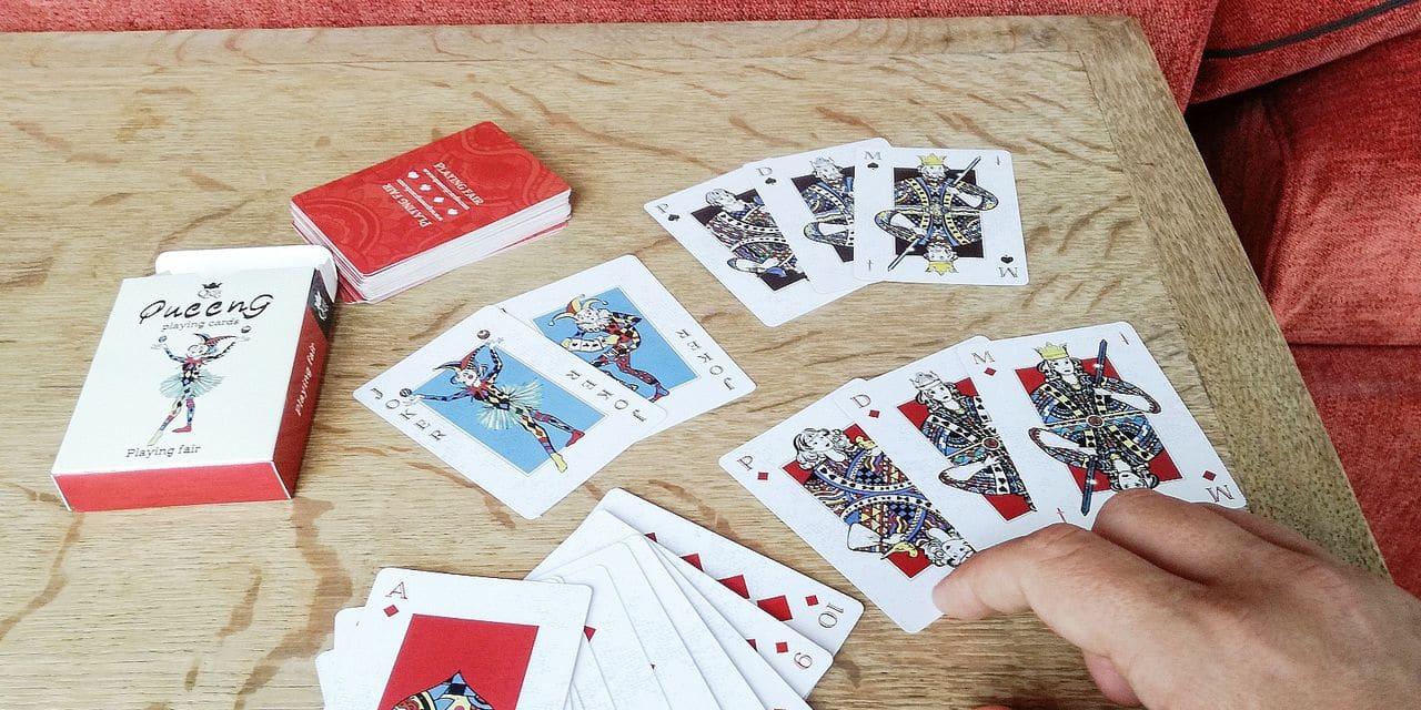 Queeng, un jeu de carte repensé pour l'égalité femmes-hommes