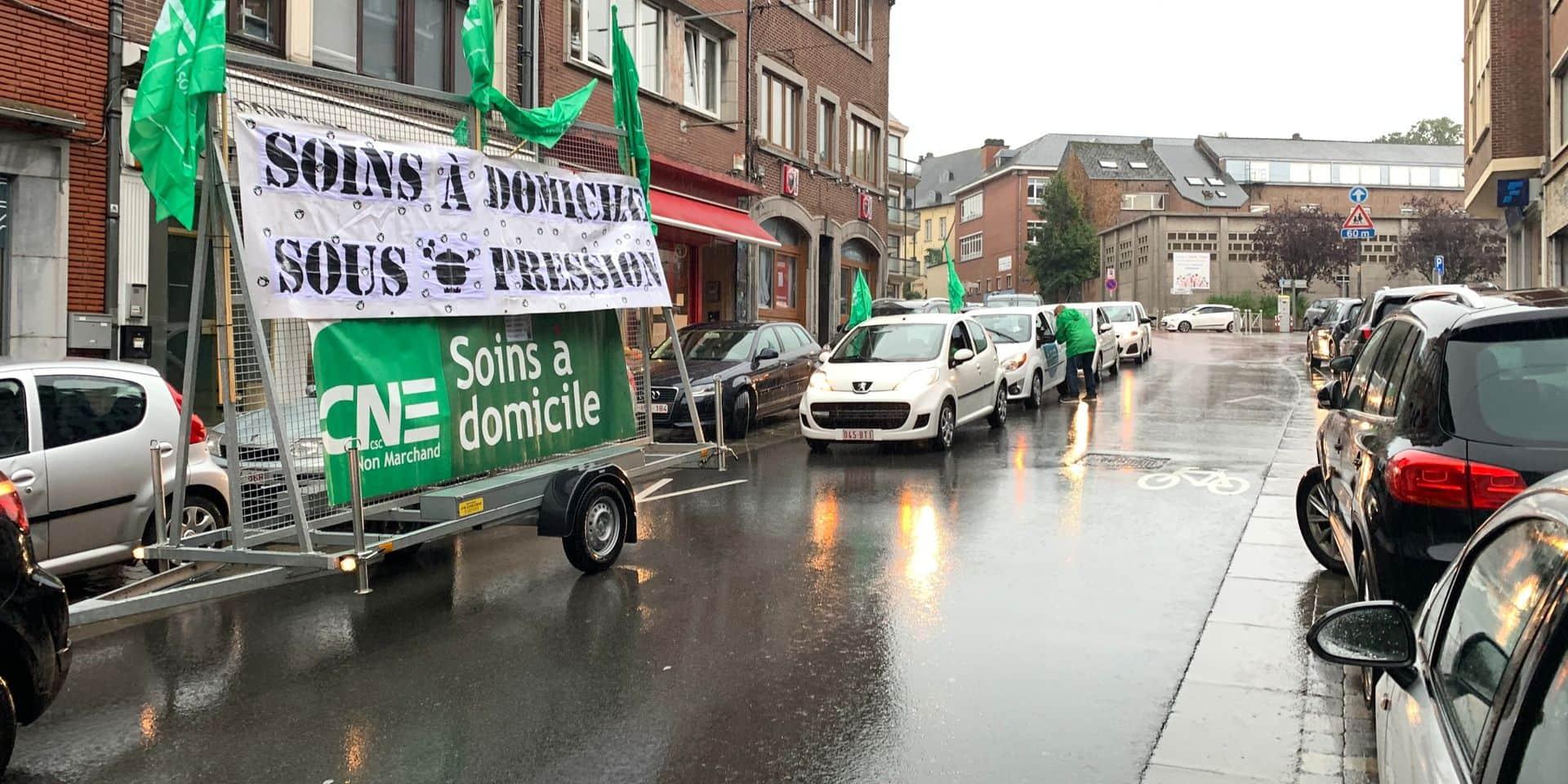 Une action escargot à Nivelles pour dénoncer la pression sur les soins à domicile