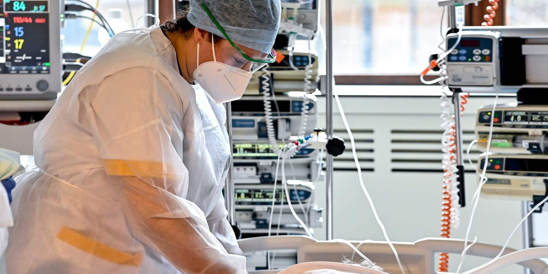 Coronavirus en Belgique: 985 lits d'hôpitaux occupés en moins par rapport au pic du 3 novembre