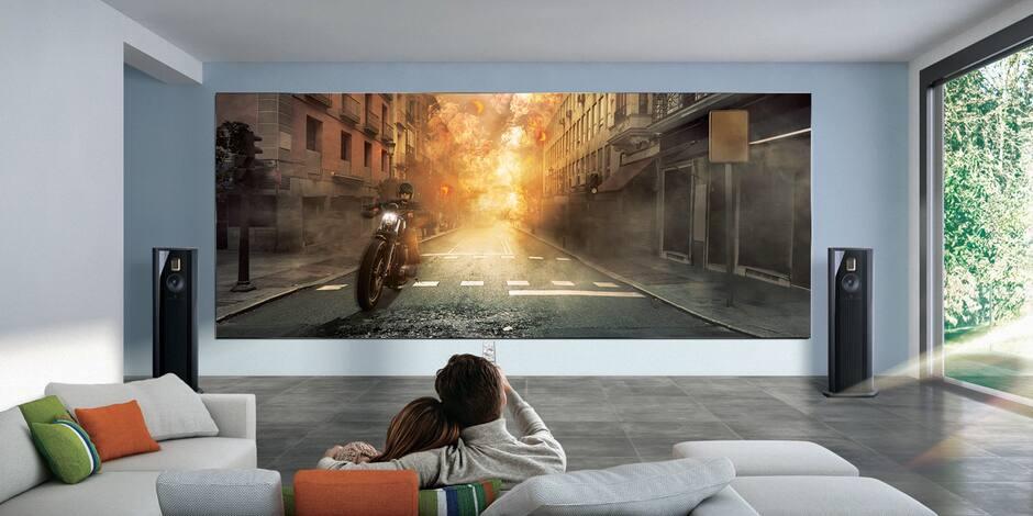 """Samsung présente """"The Wall Luxury"""": une télévision """"en tuiles"""" à... 1,2 million d'euros"""