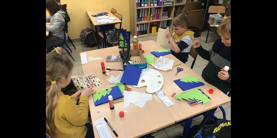 Mouscron: l'école Philippe Geluck offre des cartes de vœux solidaires aux aînés