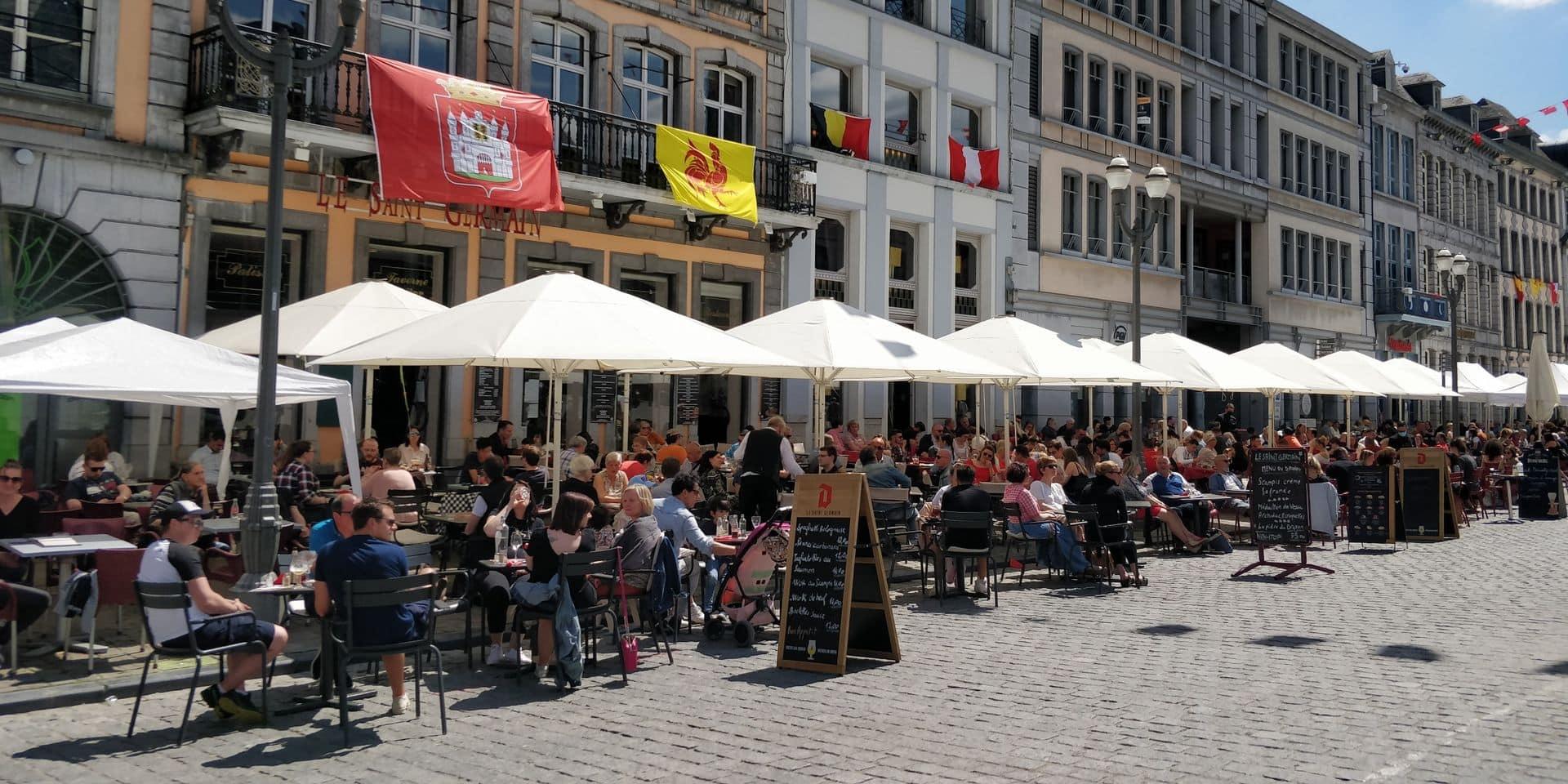 Deuxième jour de la non-ducasse à Mons: les terrasses à nouveau prises d'assaut