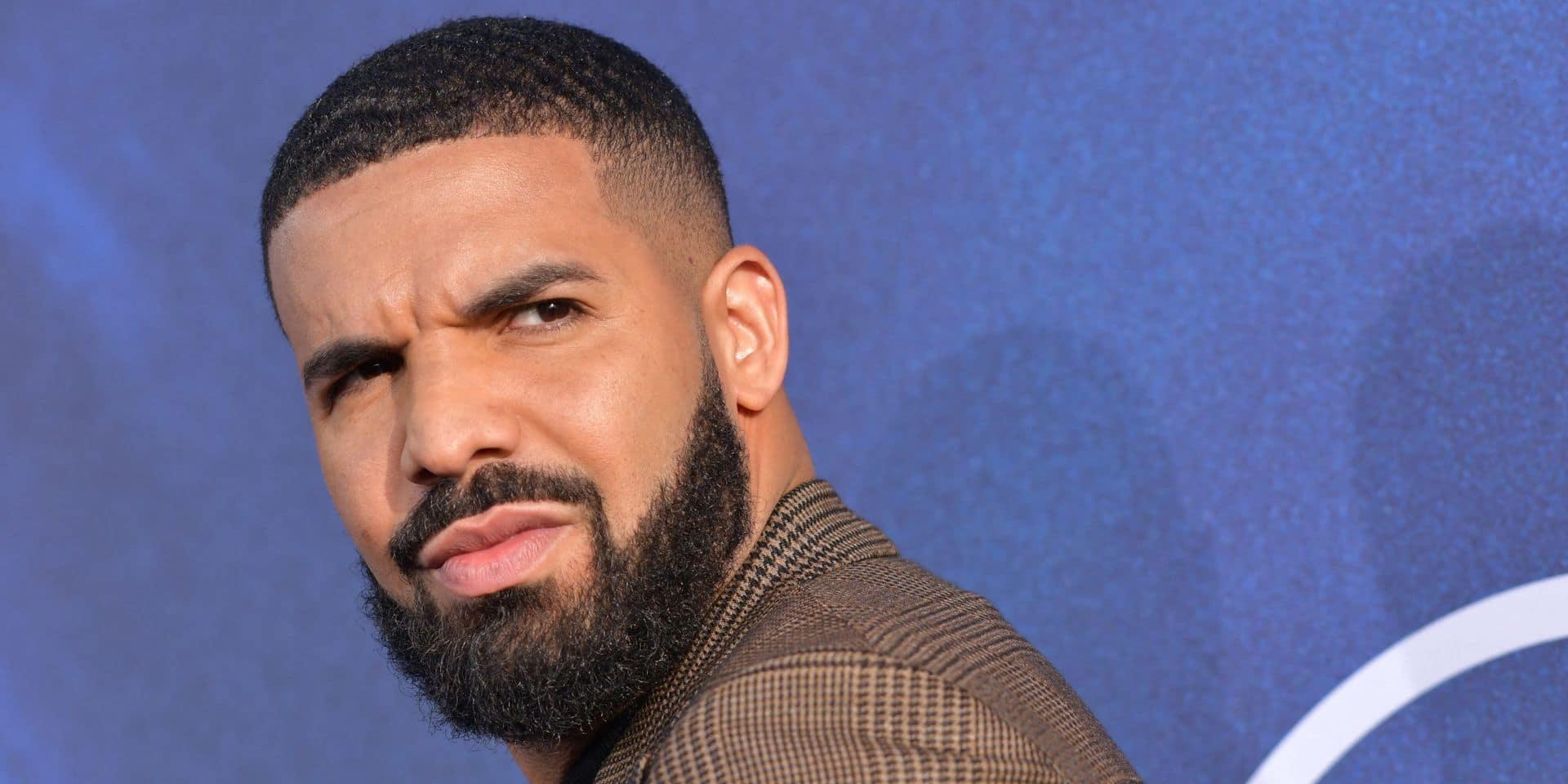 Drake loue un stade entier pour un rencard et s'y fait surprendre par un drone (VIDÉO)