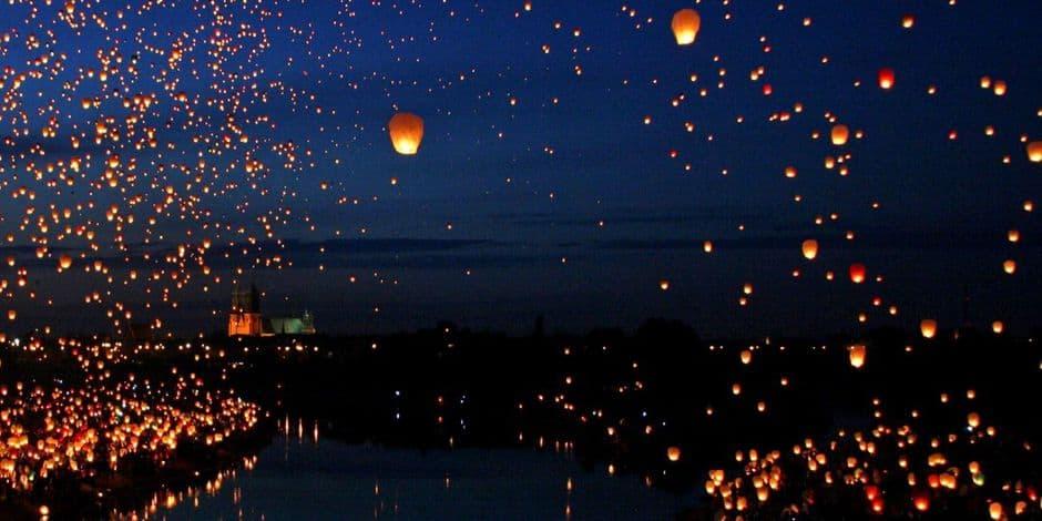 Une balade féerique à la lueur des lanternes au Château de La Hulpe