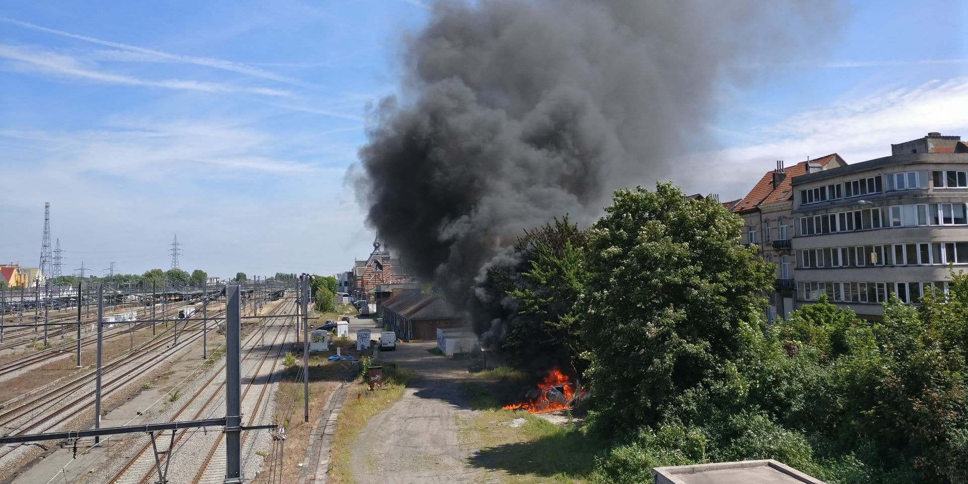 Schaerbeek : Un incendie à proximité des chemins de fer