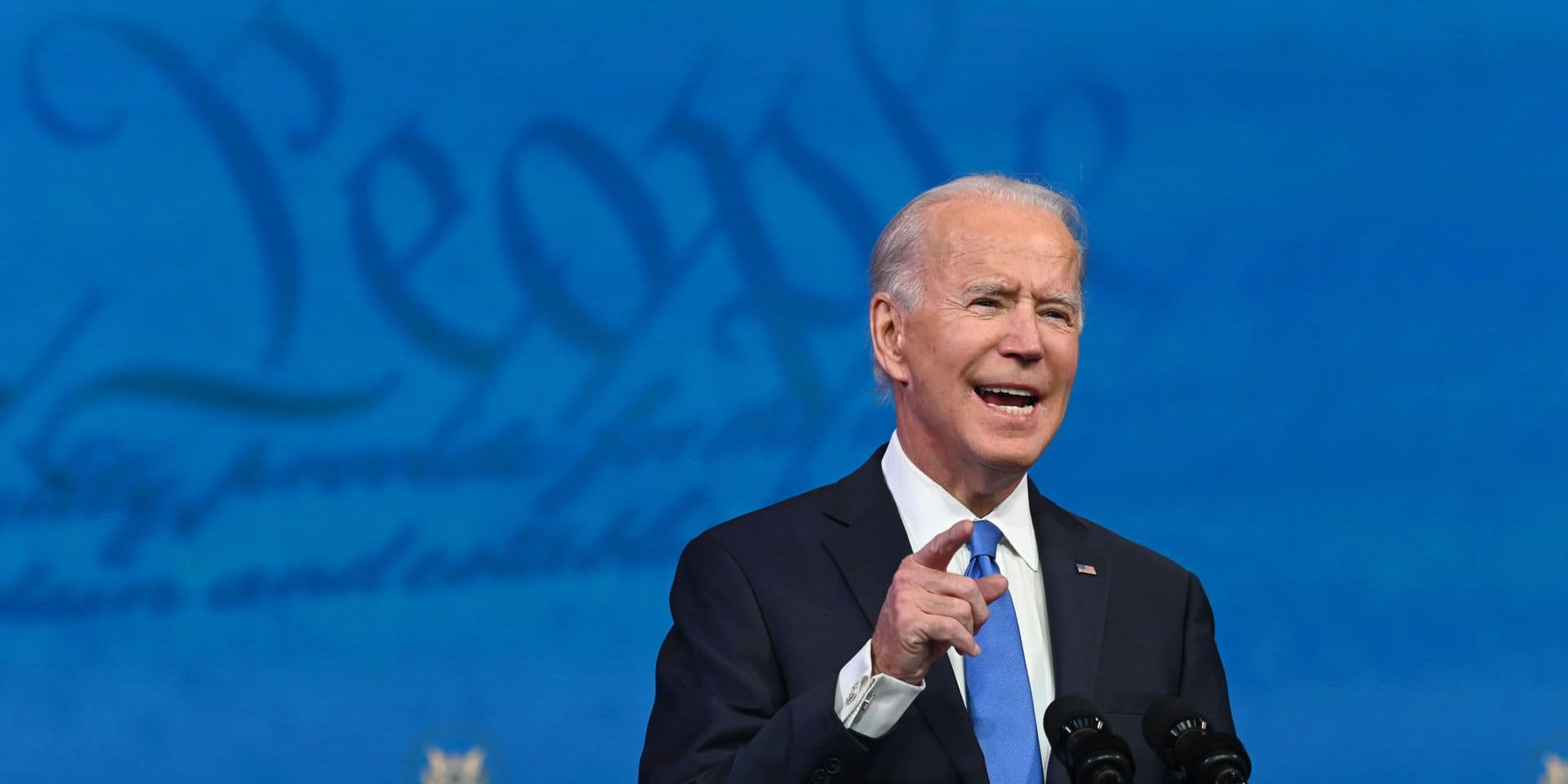 """Joe Biden se dit prêt à se faire vacciner """"en public"""" contre le Covid-19"""