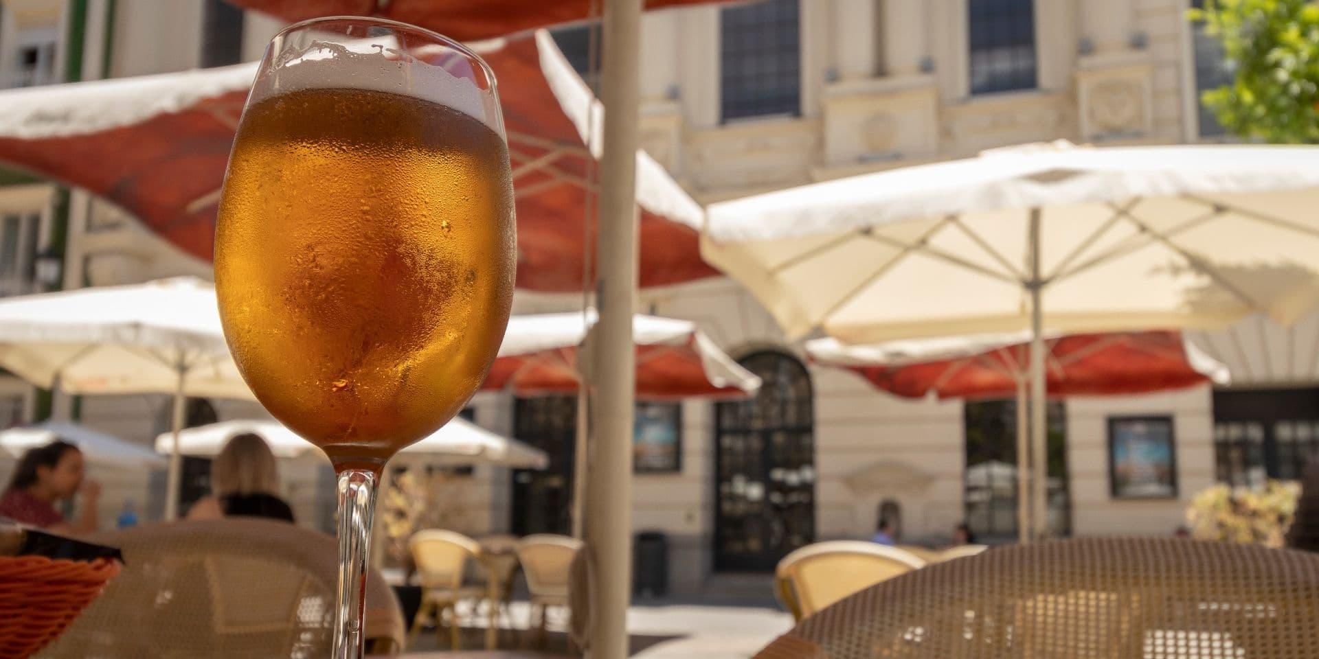 """Réouverture des terrasses: le prix des boissons pourrait être plus cher mais """"sans abus ou malentendu"""""""