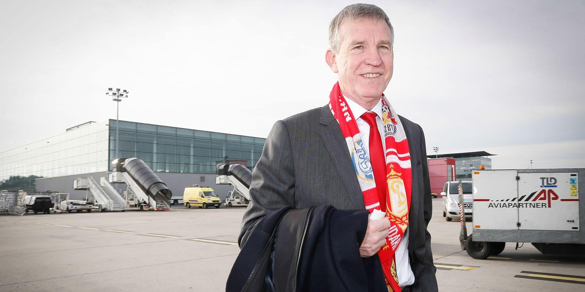 20131002 - LIEGE, BELGIUM: Standard's chairman Roland Duchatelet pictured in Liege airport, Wednesday 02 October 2013. Belgian soccer team Standard de Liege is traveling to Boras, Sweden to play Swedish team IF Elfsborg on the second day of the group stage of the Europa League tournament tomorrow. BELGA PHOTO BRUNO FAHY