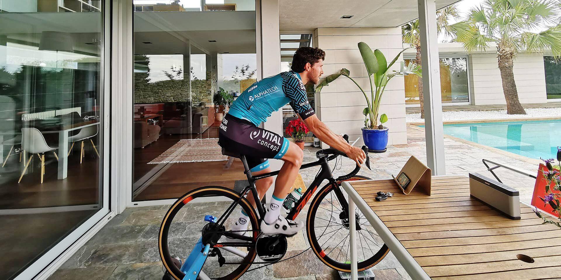"""Confiné en Espagne, Jonas Van Genechten ne peut pas sortir de chez lui: """"Je veux garder pour plus tard ma motivation et mon énergie"""""""