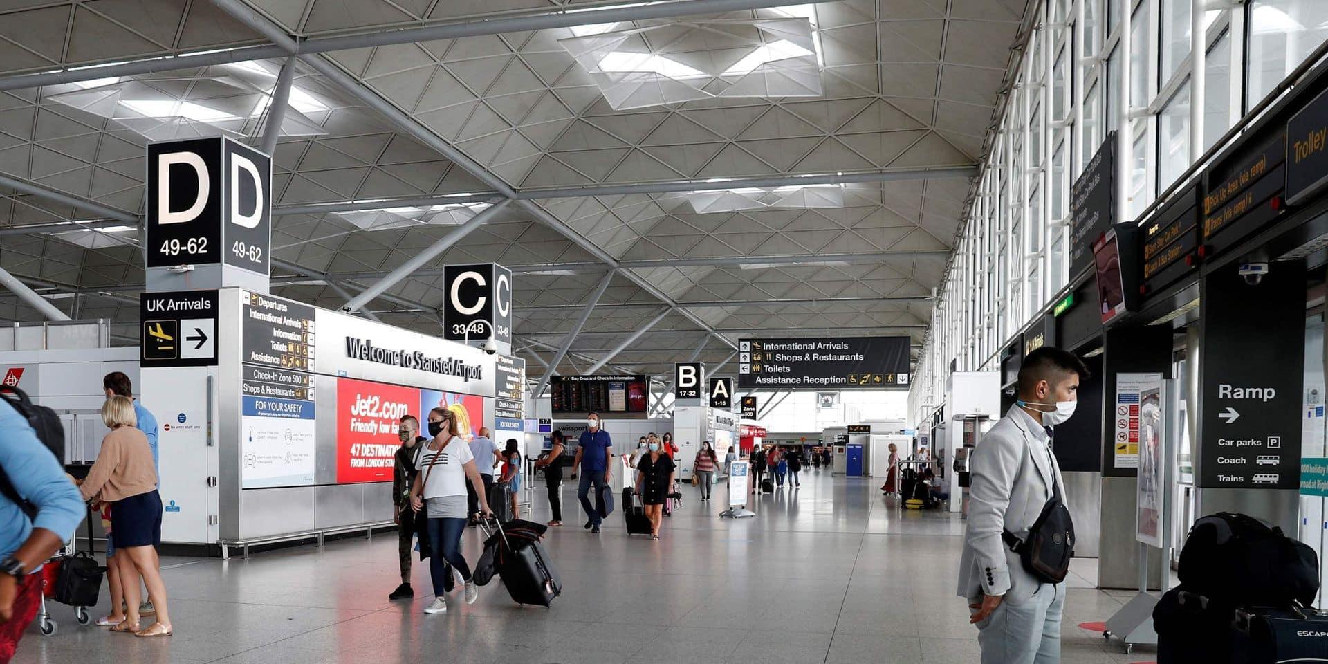 Deux terroristes présumés arrêtés à l'aéroport de Londres-Stansted