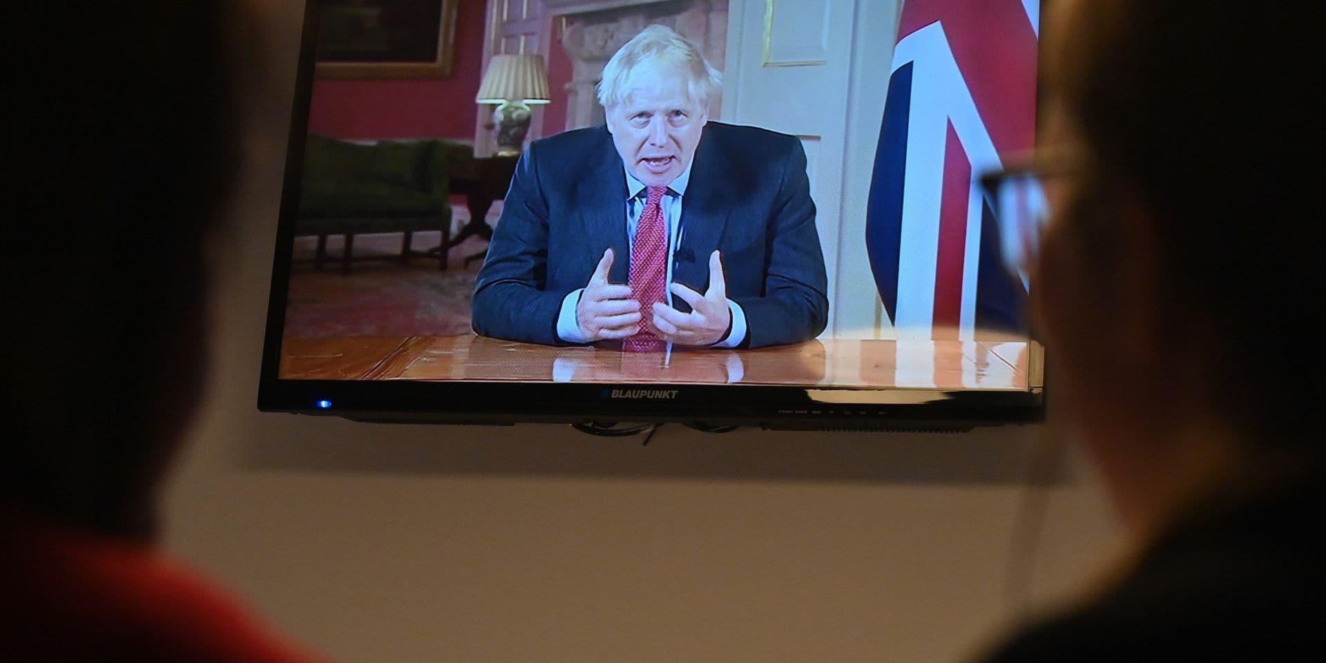 Coronavirus dans le monde: Boris Johnson annonce des nouvelles mesures restrictives