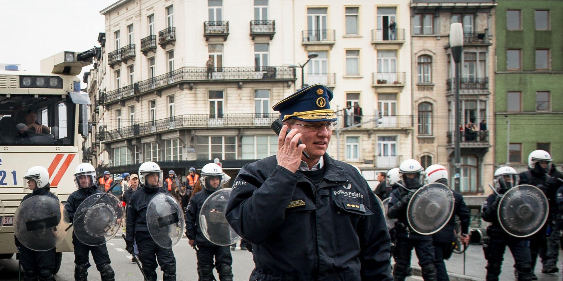 Zone de police de Bruxelles-Ixelles: le commissaire Vandersmissen conteste sa suspension devant le Conseil d'État