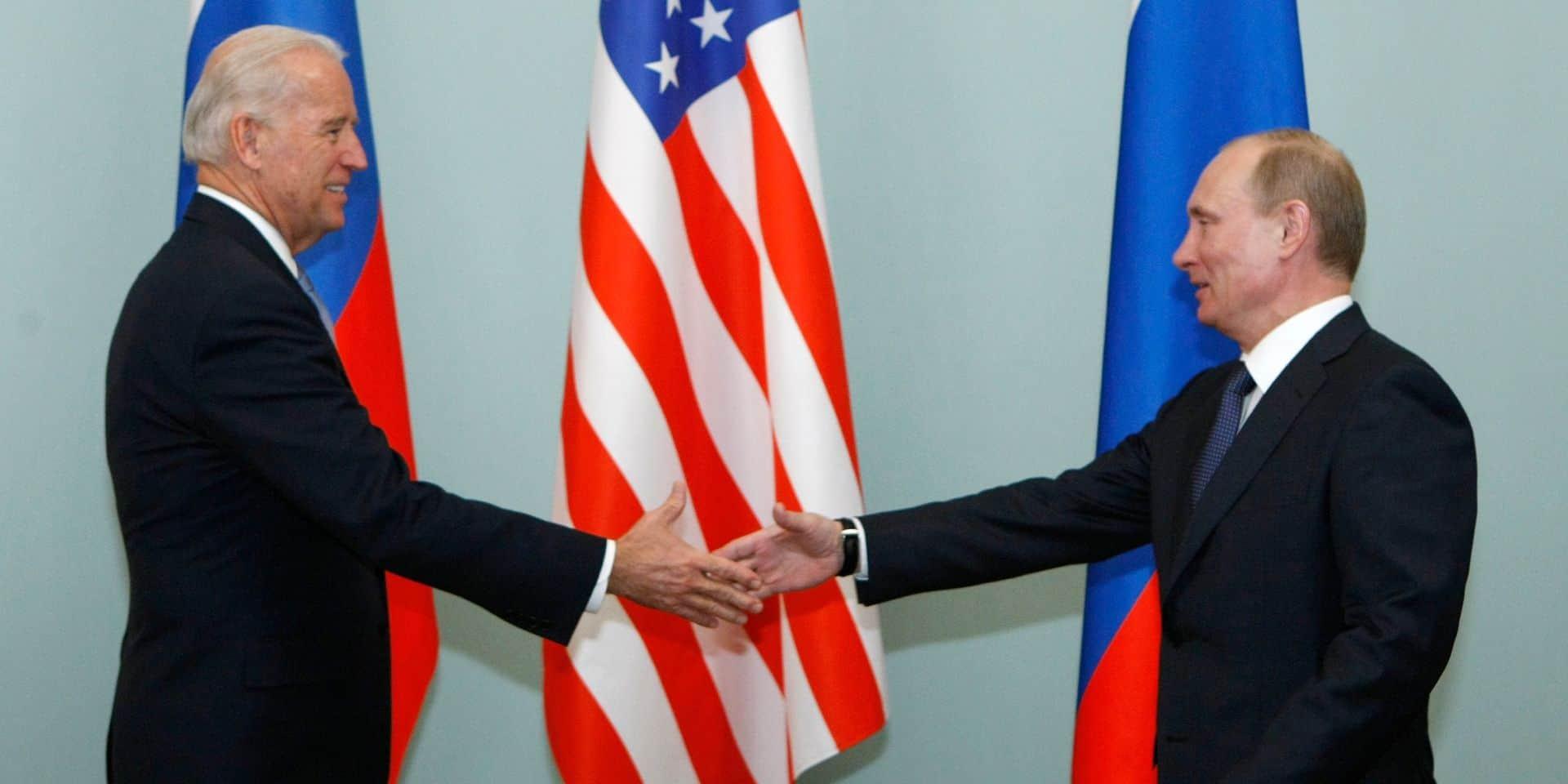 """Face aux tensions, Biden a proposé à Poutine un sommet dans """"les prochains mois"""""""