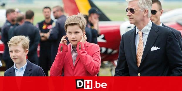 Prince Emmanuel, Prince Gabriel and King Philippe - Filip of Belgium pictured during a visit to the Belgian Air Force Days at the military base in Florennes, Saturday 25 June 2016. BELGA PHOTO ANTHONY DEHEZ