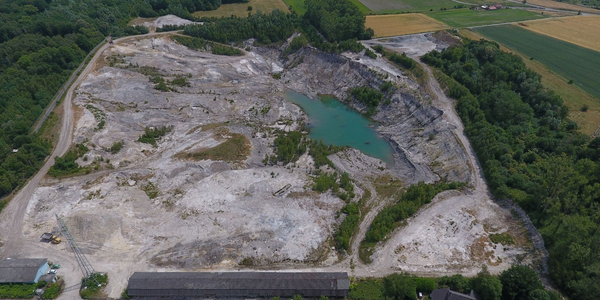 """Remblaiement de la carrière du Danube à Hautrage: """"Ce sont essentiellement des terres de terrassement, elles sont saines"""""""