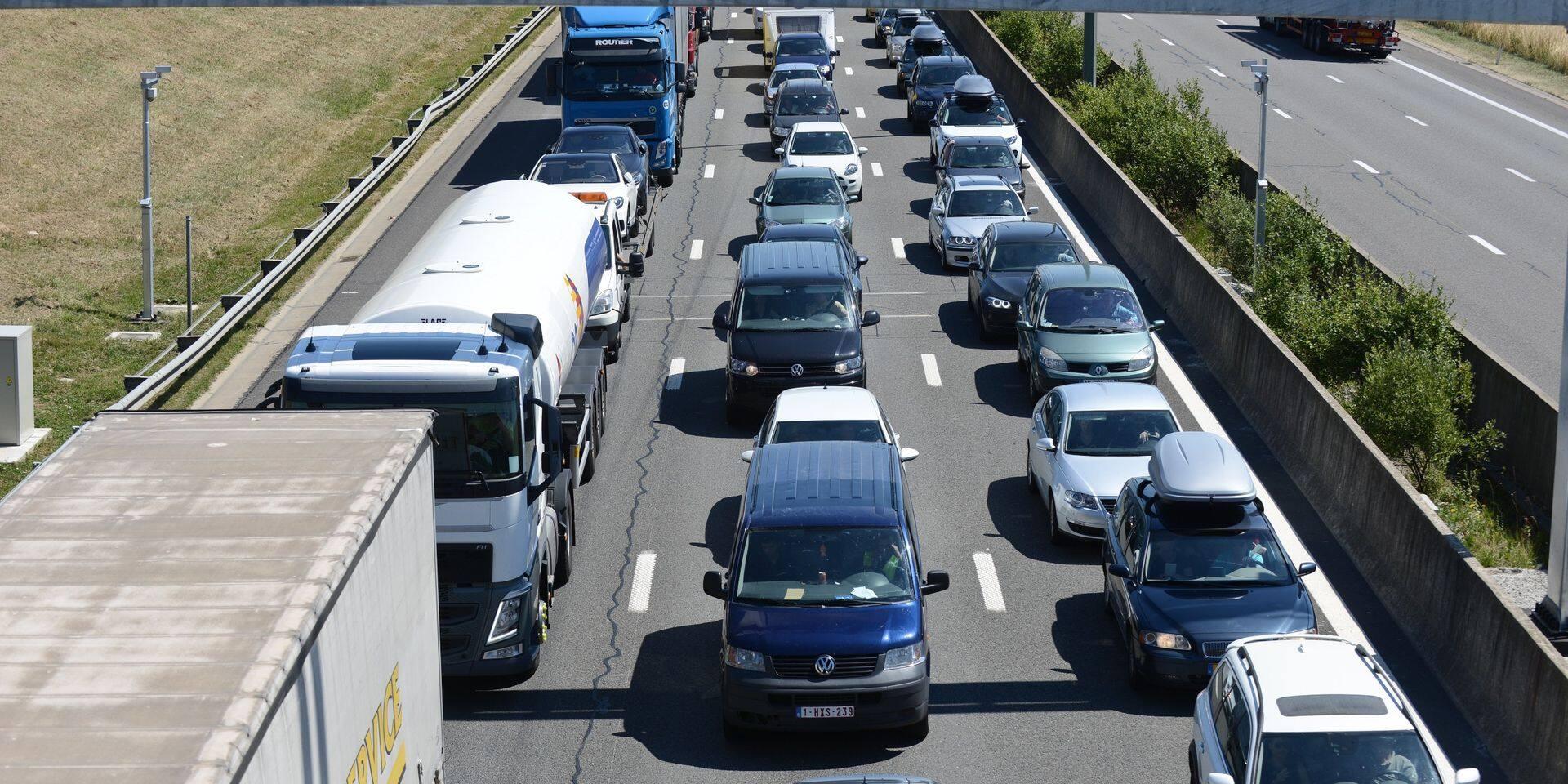 Trafic très dense ce week-end sur les routes des vacances