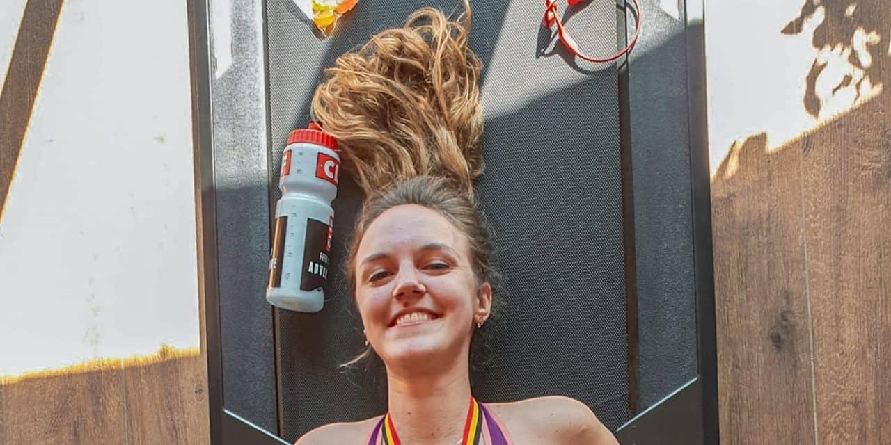 Aline Gobert a couru son marathon sur tapis en 5h13 soutenue par plus de 80 personnes