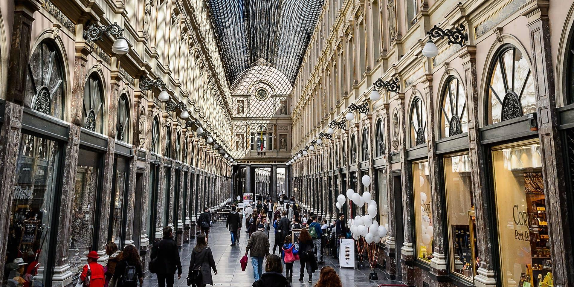 Trois fermetures aux Galeries royales, qui résistent néanmoins