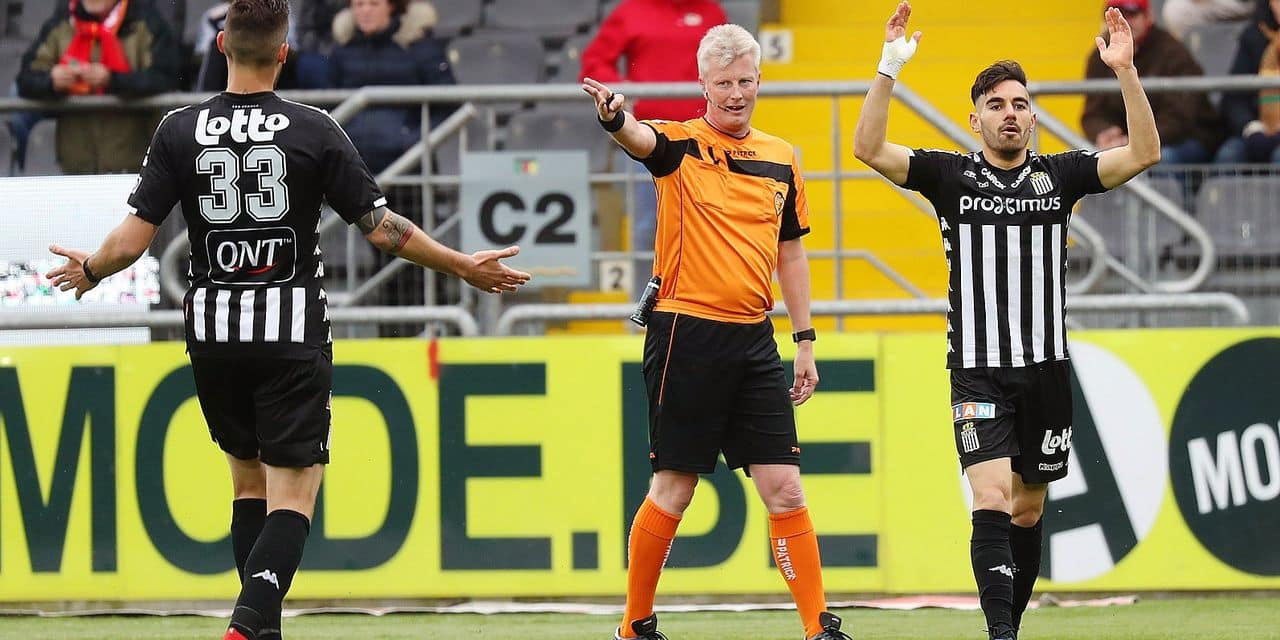 referee Christof Dierick gestures during a soccer match between KV Oostende and Charleroi, Saturday 27 April 2019 in Oostende, on day 6 (out of 10) in group A of the Play-off 2 of the 'Jupiler Pro League' Belgian soccer championship. BELGA PHOTO VIRGINIE LEFOUR