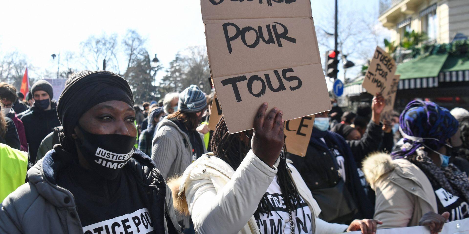 Plusieurs milliers de personnes dans les rues de France contre le racisme et les violences policières