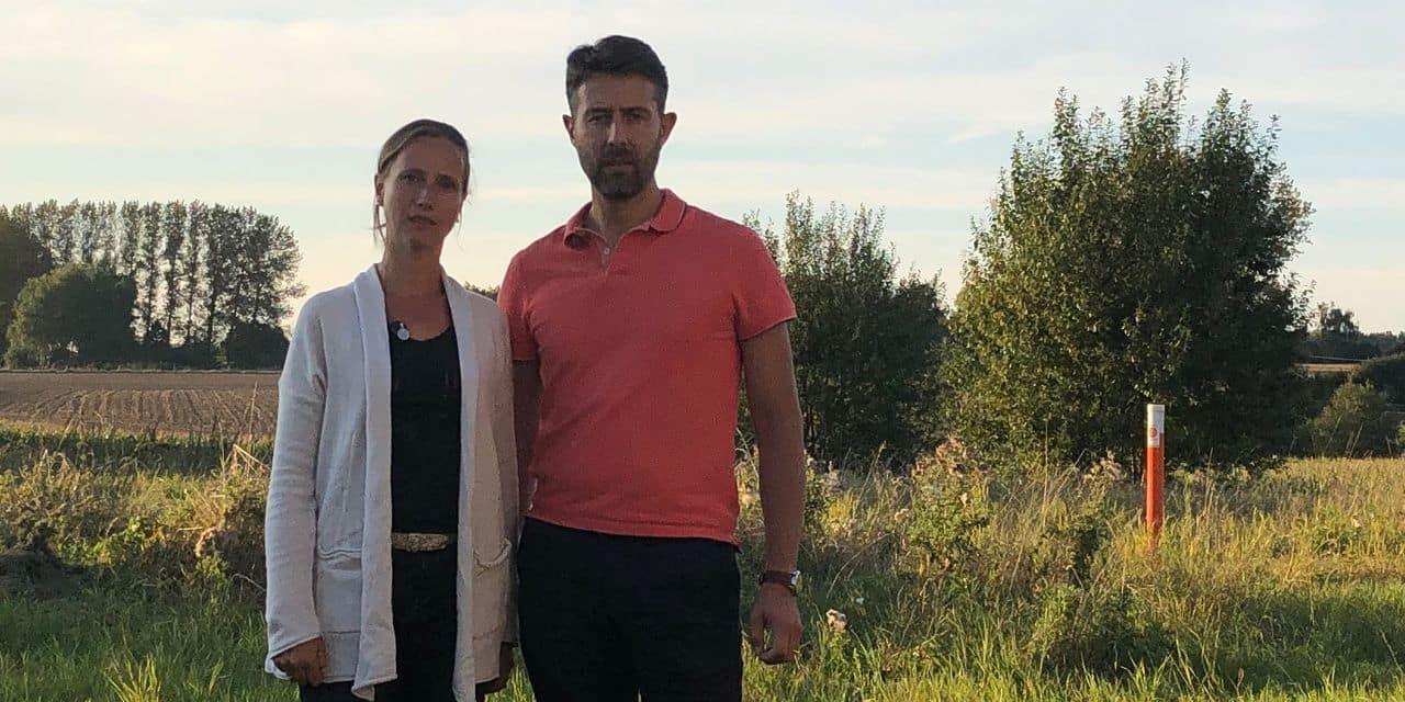 """Les galères de Sandrine et John, après six demandes de permis d'urbanisme refusées: """"Nous essayons de construire notre maison depuis 12 ans"""""""