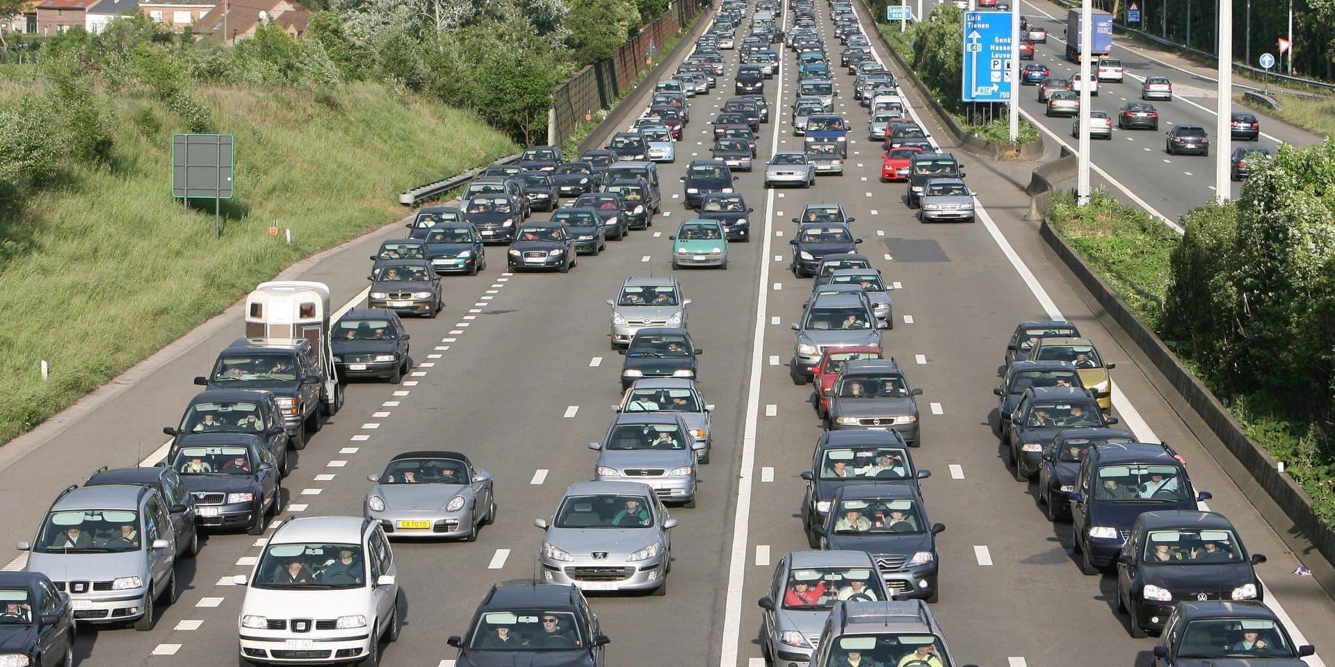 Des problèmes à la suite d'un accident sur la E40 à Oostkamp, vers Ostende et en direction de Bruxelles