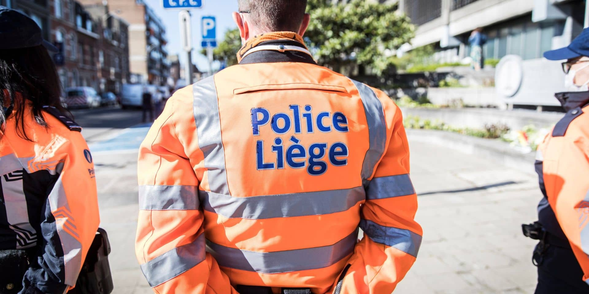 Liège : il menace les policiers