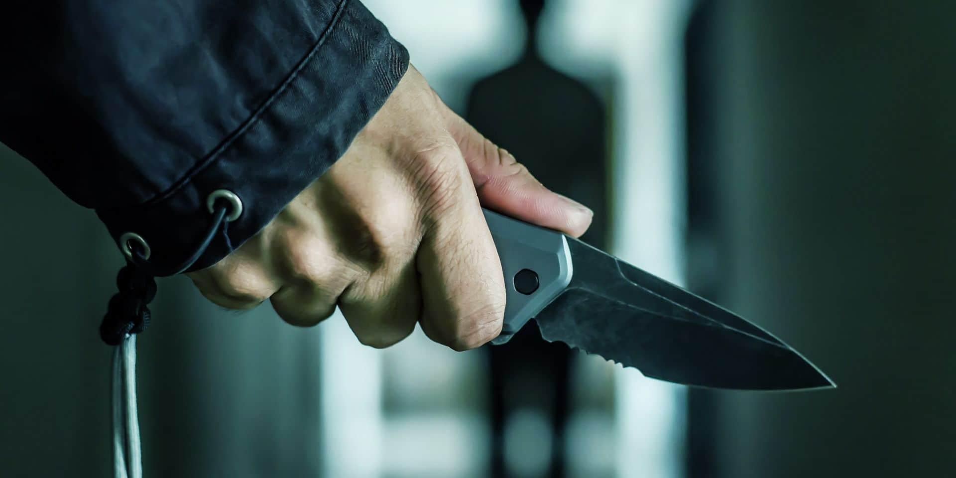 Grâce-Hollogne : un coup de couteau dans le thorax de son voisin