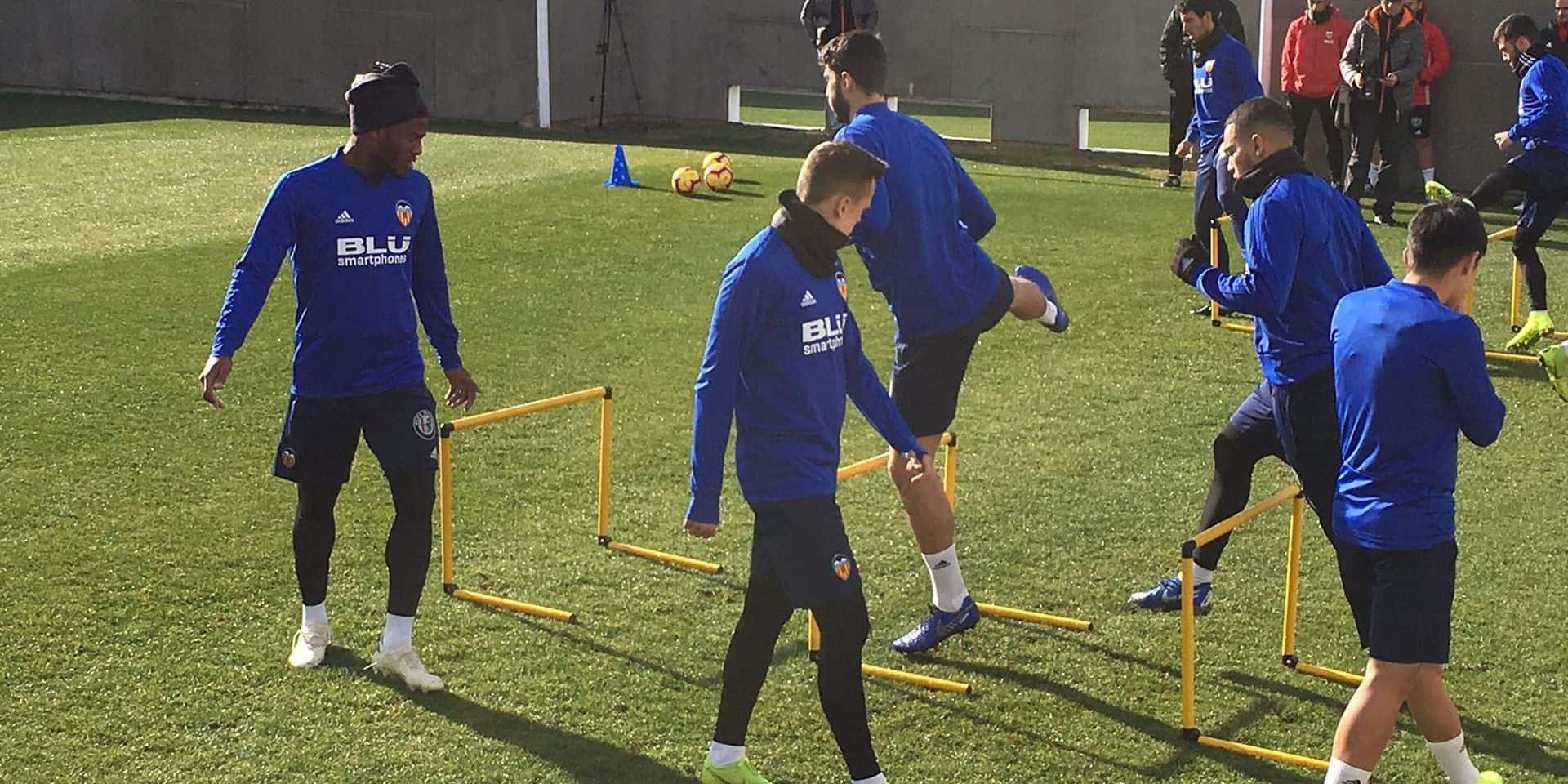 Batshuyai revient à l'entraînement à Valence mais Marcelino ne veut plus de lui