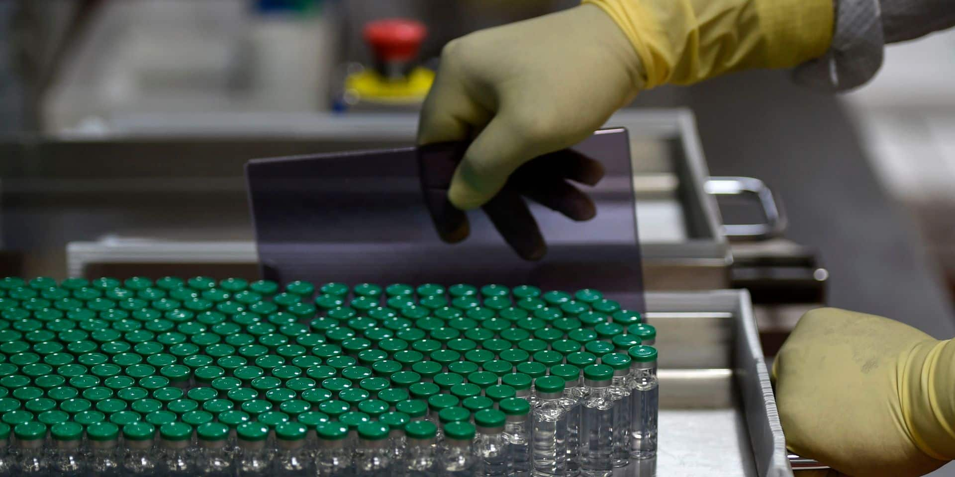 AstraZeneca annonce que les premières livraisons seront plus limitées que prévu