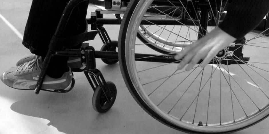 Aberrant: à 53 ans, il tripote de force une jeune fille handicapée... Lui et son avocat minimisent!