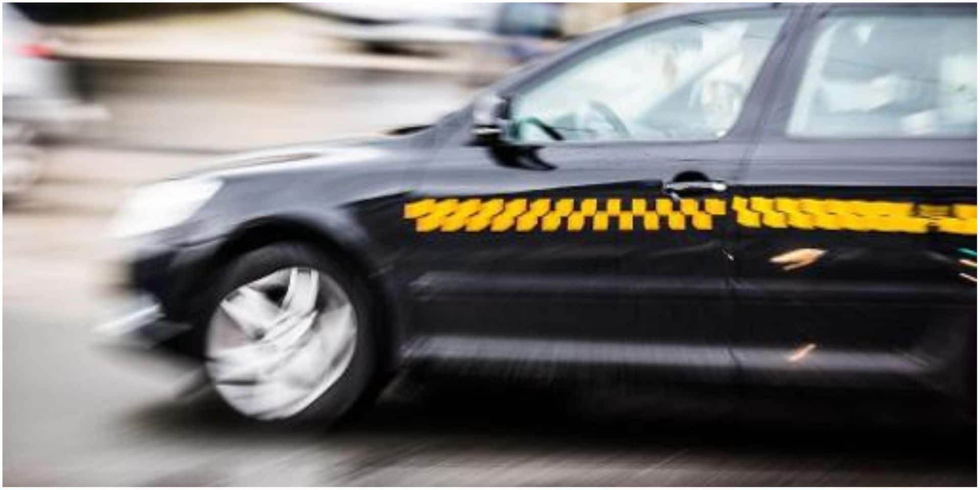 Un taximan bruxellois dépose un client handicapé à 30 km de sa destination parce qu'il refusait de payer sa course