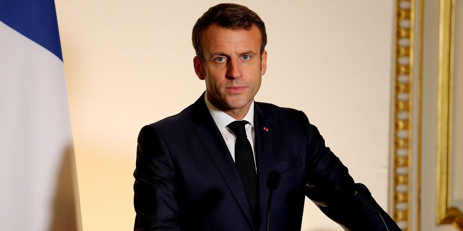 """""""Gilets jaunes"""": Macron condamne les violences et les silences """"complices"""""""