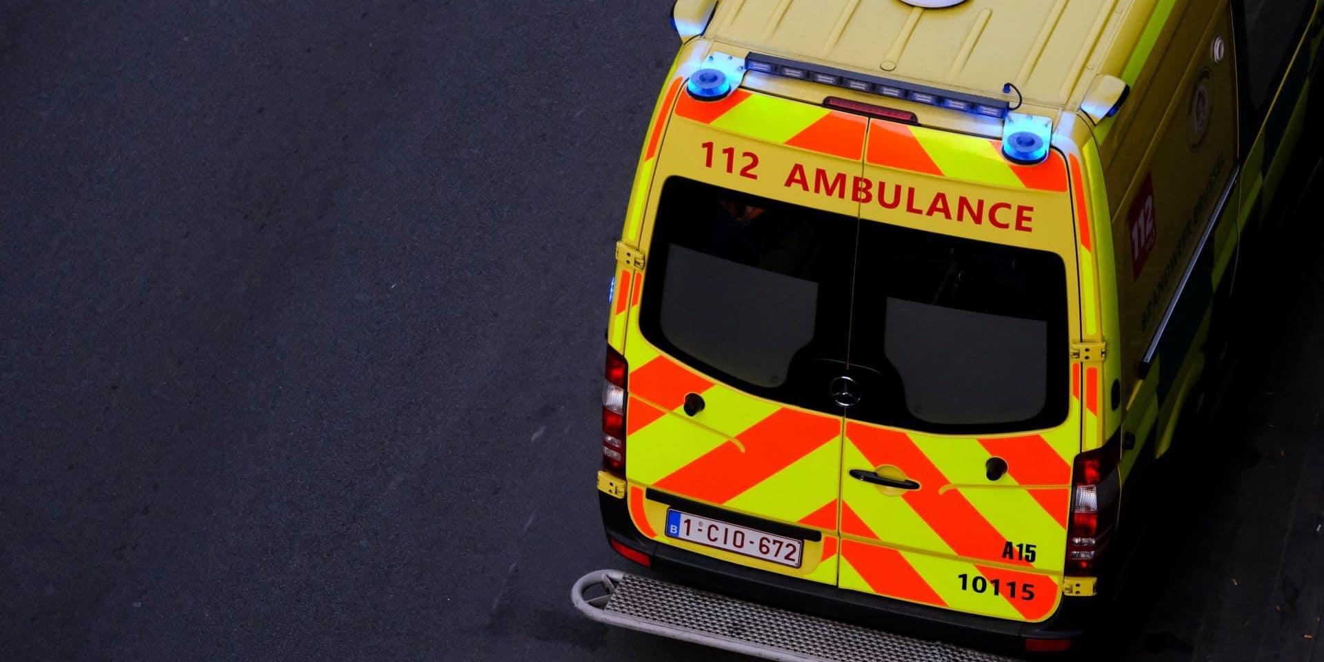 Une femme de 25 ans meurt dans une collision avec un camion-grue à Mol