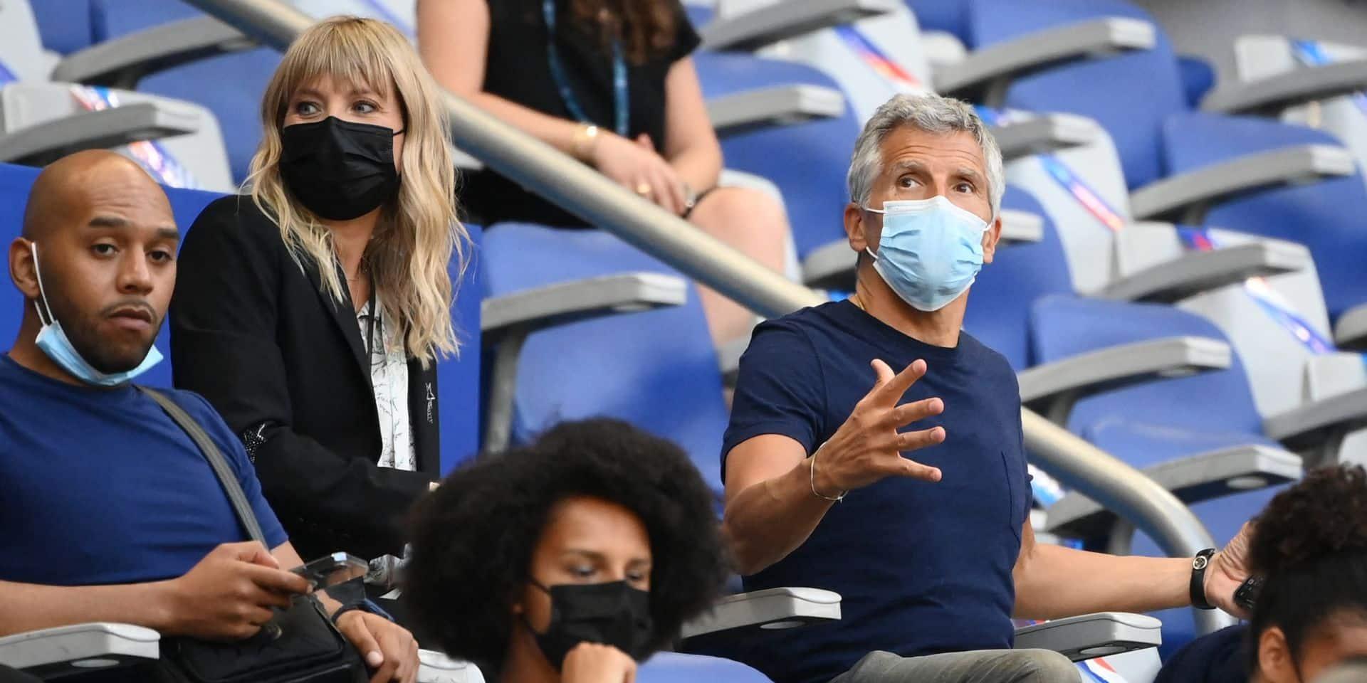 """""""Il aime se faire voir"""", """"Et l'empreinte carbone ? Effacée ?"""" : Nagui taclé par les internautes après le match de la France"""