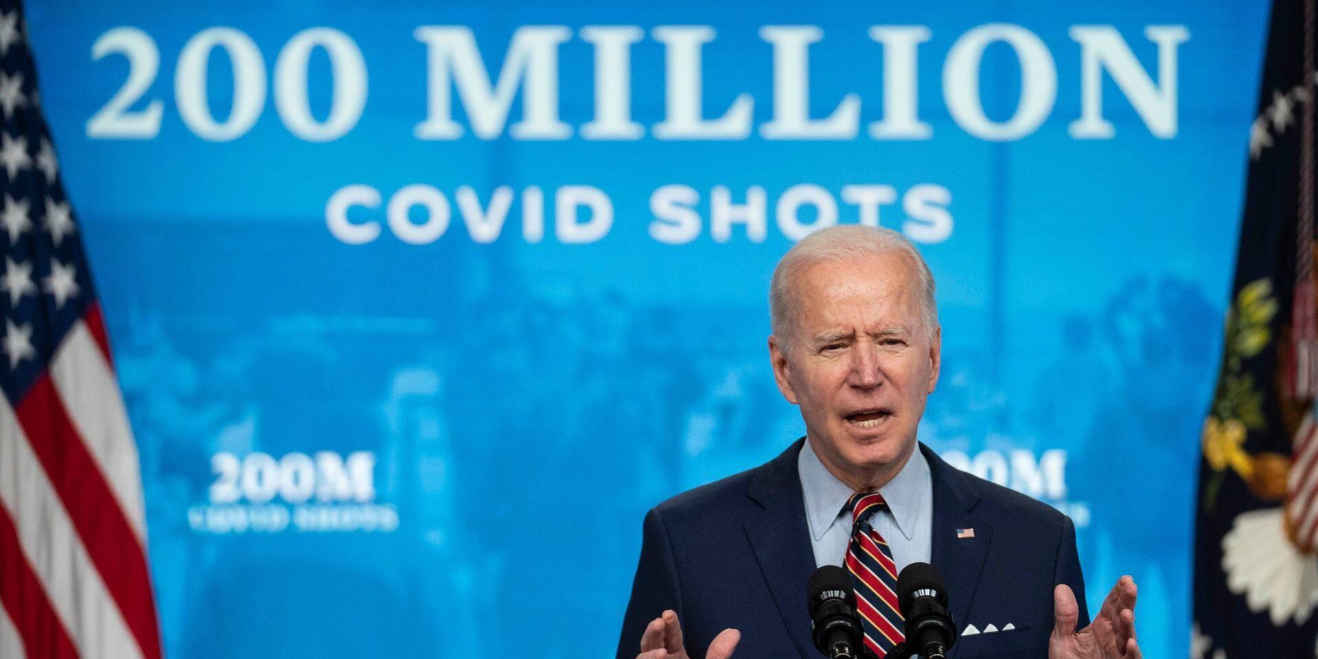 """Coronavirus: Joe Biden vante """"un exploit incroyable pour la nation"""" américaine"""