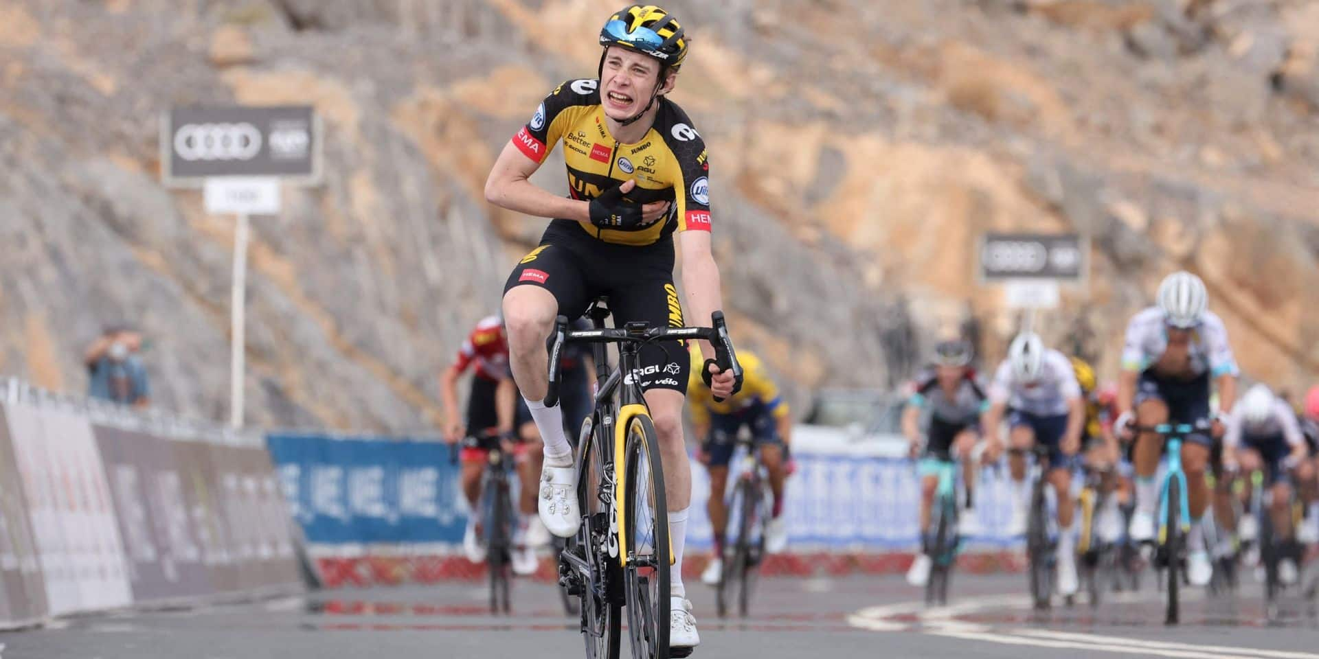 Tour des Emirats arabes unis: Jonas Vingegaard surprend les favoris au sommet à Jebel Jaïs