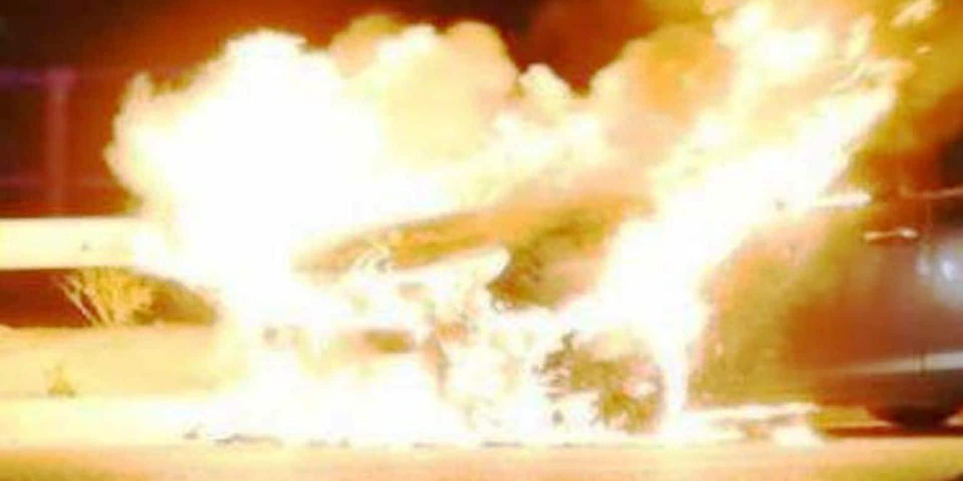 Incendie d'une camionnette à Petit-Thier ( Vielsalm): une enquête a été ouverte